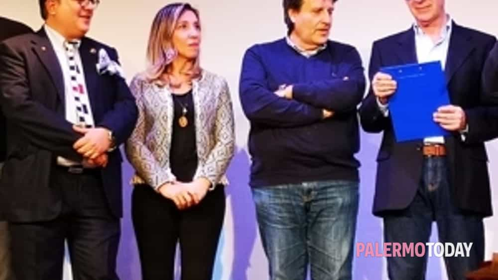 "«risate e beneficienza», ""sold out"" l'evento organizzato dal rotary club palermo montepellegrino-7"