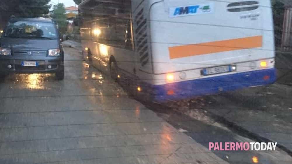autobus bloccato tommaso natale-2