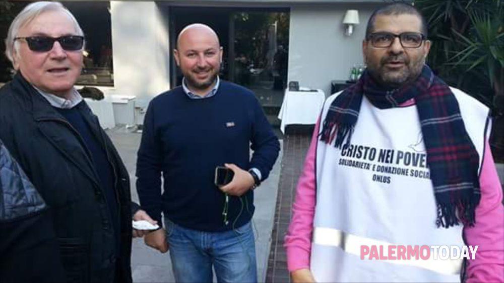 """""""Dono un pasto con il sorriso"""" campagna a sostegno del boccone del povero di piazzetta San Marco, 8  a Palermo-6"""