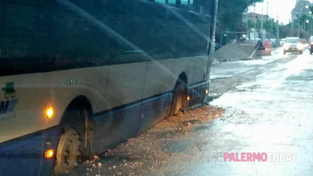 autobus bloccato tommaso natale 5