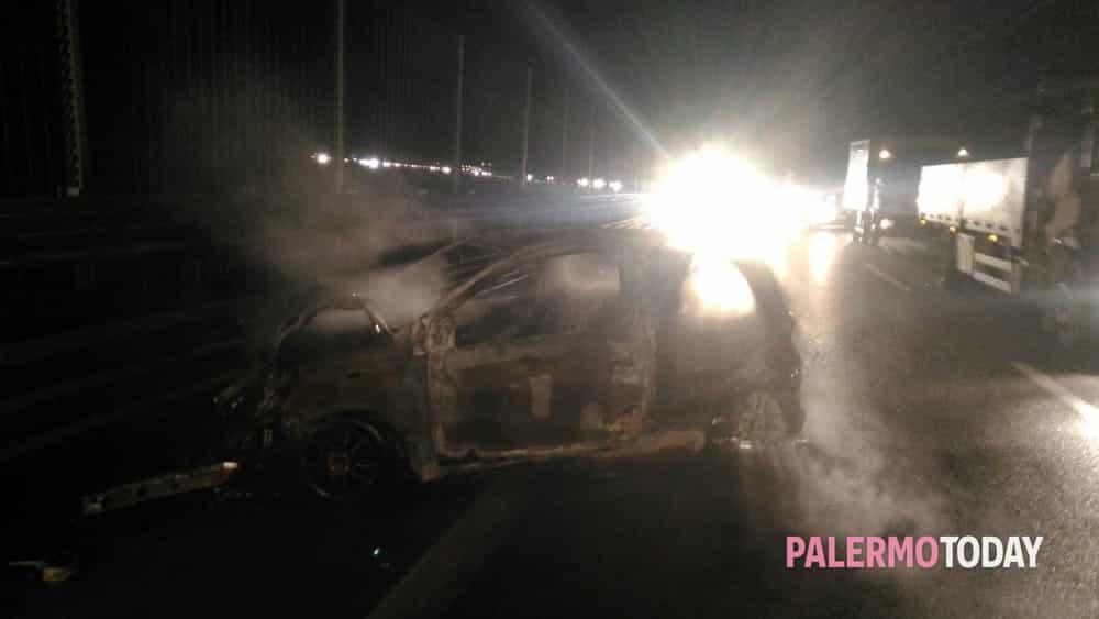 auto incendio tremonzelli palermo catania 7 dicembre 2017-2