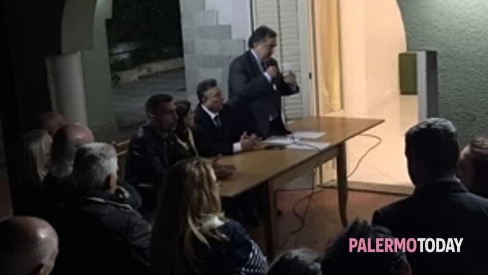 orlando a pagliarelli, assemblea pubblica nel bene confiscato di via balistreri -7