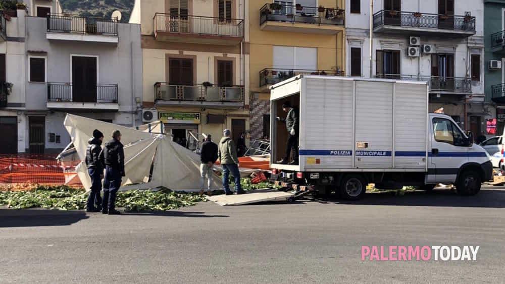 sequestro fruttivendolo piazza tommaso natale-2