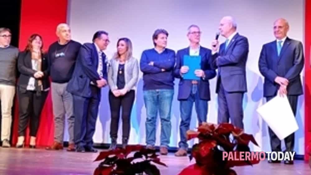 "«risate e beneficienza», ""sold out"" l'evento organizzato dal rotary club palermo montepellegrino-6"