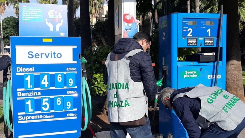 benzina piazza lolli (1)-2