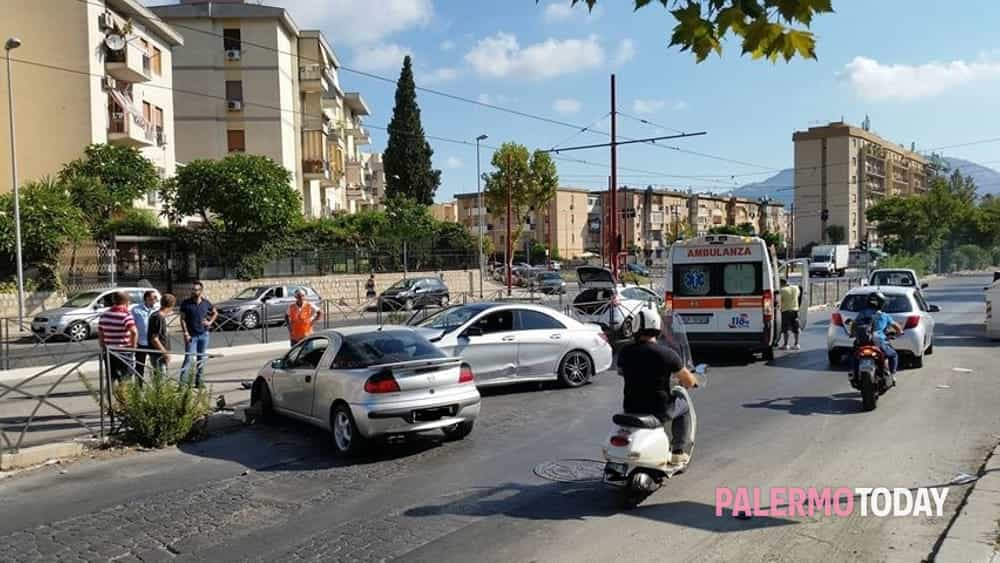 Incidente in viale Michelangelo 19 agosto (2)-2