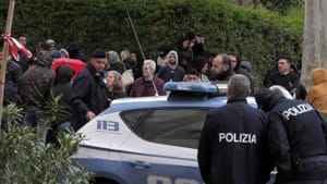 La banda dei falsi incidenti: mutilavano gambe e braccia per truffare le assicurazioni, 42 arresti