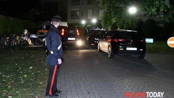 Omicidio a Cenursco, uomo ucciso nel box, carabinieri sul posto 3-2