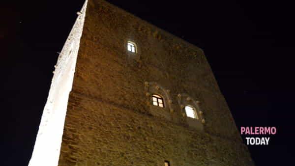 Vini, formaggi, dolci e prodotti del territorio: al via la notte bianca al Castello di Roccella
