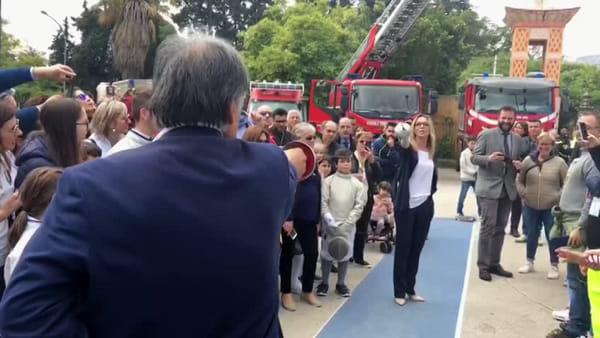 Il sindaco Orlando a lezione di scherma dalla campionessa Valentina Vezzali | VIDEO
