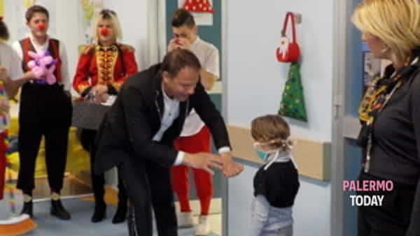 visita a sorpresa del circo greca orfei ai bimbi ricoverati all'ospedale civico di palermo-2