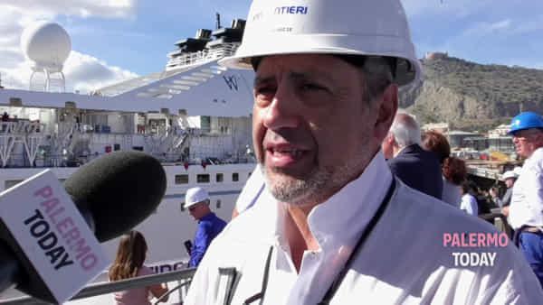 Nave da crociera allungata di 26 metri: le immagini dello spettacolare intervento ai Cantieri navali | VIDEO