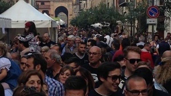 """Cabaret e intrattenimento, il festival """"Risate di gusto"""" sbarca a Castelbuono"""