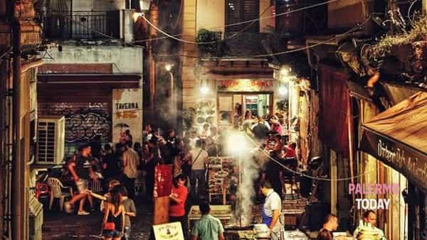 Che Vucciria, il mercato da piazza San Domenico al Garraffello tra arte e musica
