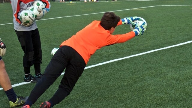Palermo, the football school for goalkeepers is born thumbnail