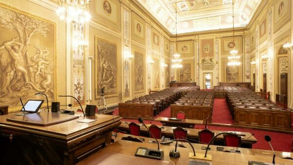 """a """"new"""" room of Hercules, more technological and Covid-proof, awaits the deputies thumbnail"""