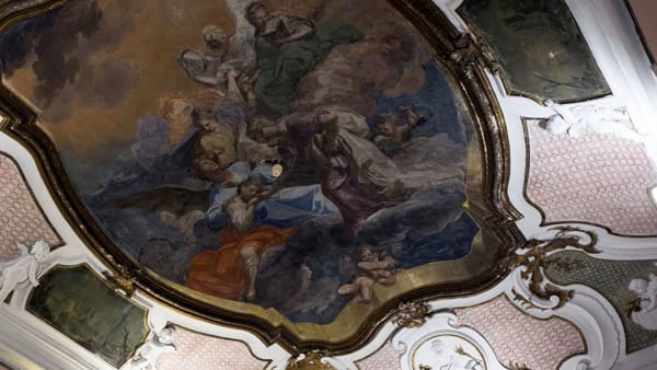 Visita guidata alla scoperta degli affreschi di Palazzo Asmundo