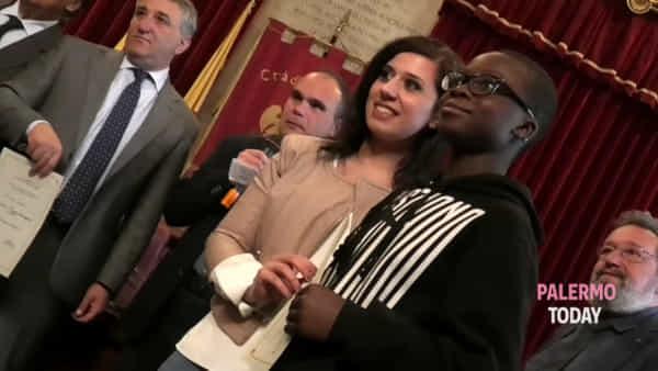 Cittadinanza onoraria a figli di stranieri nati a Palermo, si realizza il sogno di 71 studenti | VIDEO