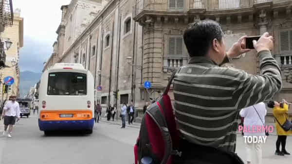 A piedi, in bici o a bordo del tram: al via il primo torneo che premia la mobilità sostenibile | VIDEO
