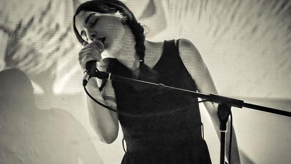 La musica e le vibrazioni di Lilia live alla Fabbrica102