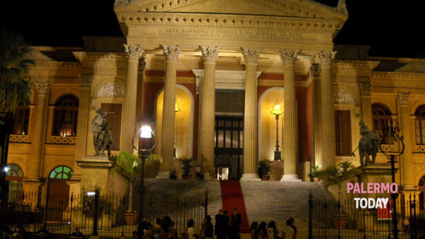 Le Vie dei Tesori: si torna al Teatro Massimo con due spettacoli a prezzo simbolico