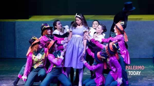 """""""Una bimba chiamata Alice"""", il musical al teatro Orione"""