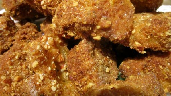 Pane fritto agli aromi e mandorle 1-2
