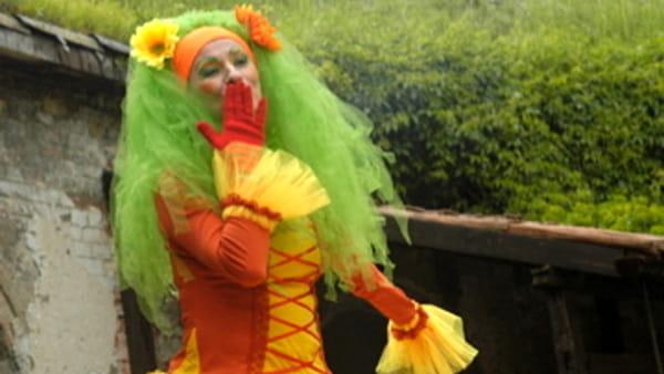 Fiori al posto dei capelli, festa di Carnevale per bambini da Elementi Creativi