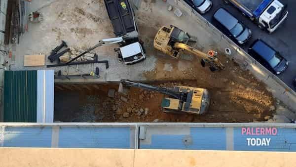 cantiere lavori palazzo ina piazzale ungheria 3-2