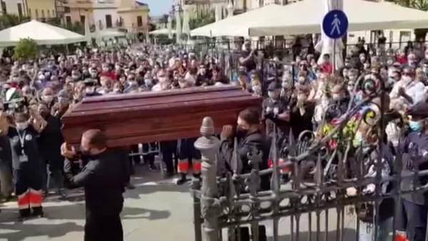 VIDEO | Terrasini, ultimo saluto al capitan Matteo: aperta inchiesta sulla tragedia