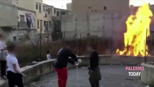 Urla, cori e fiamme: i bambini di via Colonna Rotta e la vampa di San Giuseppe | VIDEO