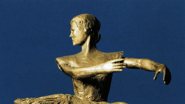 Carla Fracci, la ballerina come musa: le sculture di Zora in mostra a Cefalù