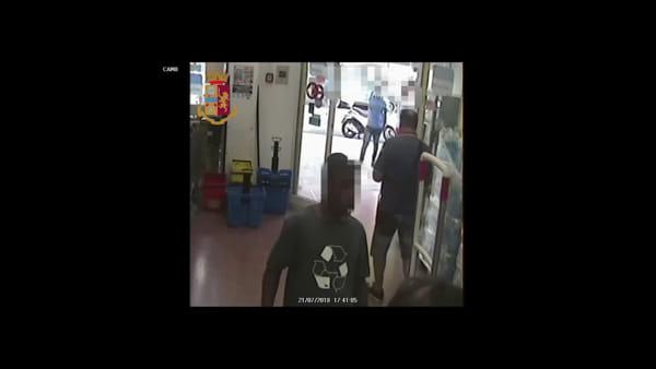 Corso Tukory, cassiere del supermercato preso a schiaffi: arrestato rapinatore | VIDEO