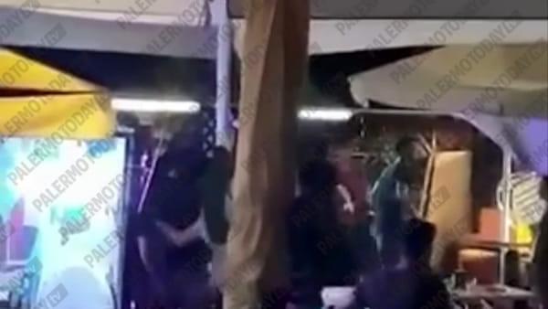 VIDEO | Pugni e colpi di sedia, le immagini di una delle due rissedi Capaci