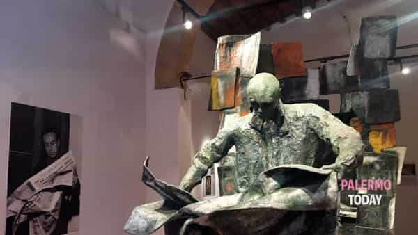 L'edicola, unica scultura di Renato Guttuso-2