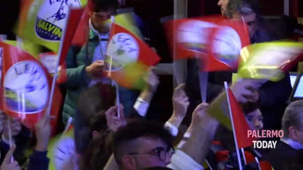 VIDEO | Salvini divide Palermo: applausi e standing ovation contro Costituzione e citofoni
