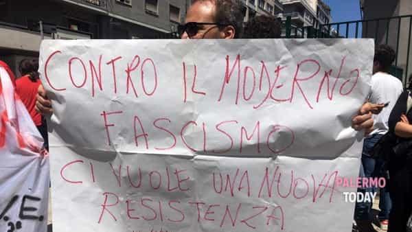 protesta studenti Vittorio Emanuele III contro Matteo Salvini-2