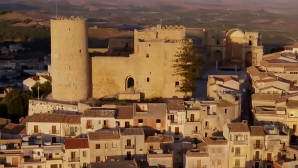I 50 luoghi da non perdere in Sicilia, da Palermo a Cefalù passando per Ustica | VIDEO
