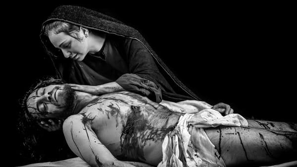 Volti di passione, la fotografia di Massimiliano Ferro in mostra a Palazzo Jung