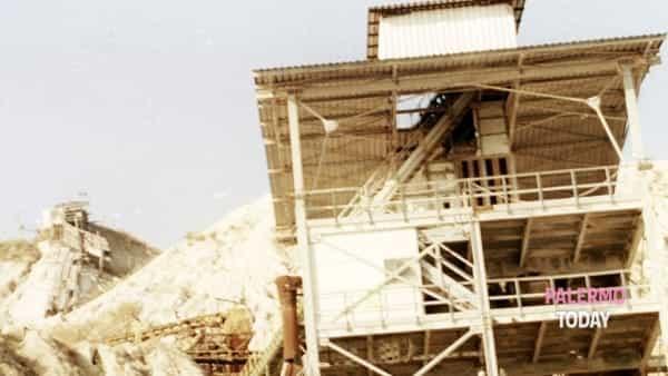 """mostra fotografica - """"un obiettivo sul sociale: pumex relinqui fotografie sul mondo dei lavoratori della pomice""""-2"""