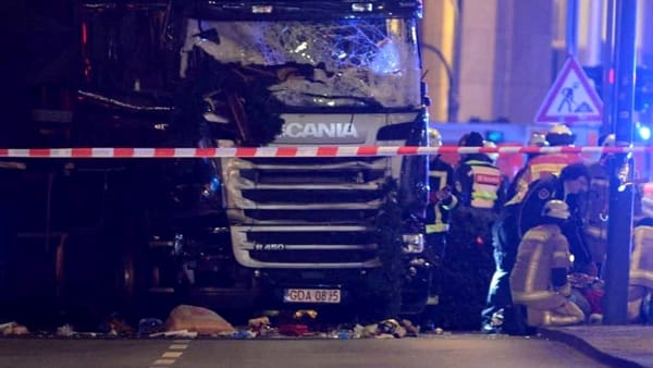 Un'immagine dell'attentato di Berlino - foto Ansa