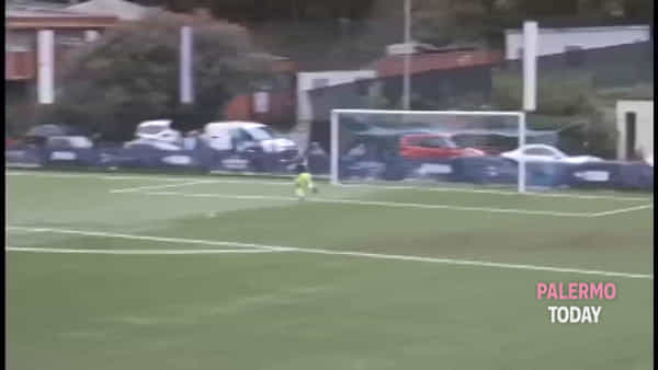 Ribaudo, il baby palermitano che incanta Parma: gol da centrocampo contro la Samp | VIDEO