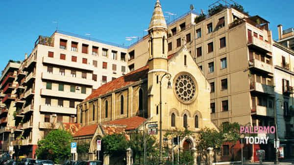 Chiesa anglicana Santa Croce, il primo reading di poesia religiosa a Palermo