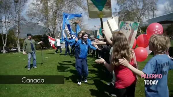 Peace Run, la fiaccola della pace arriva a Palermo: staffetta di studenti la consegnerà al sindaco | VIDEO