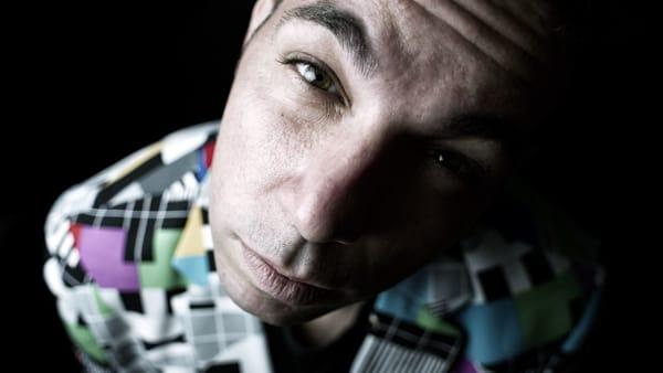 Pop, jazz, rock, soul ed elettronica: il concerto istrionico con Ellis Cloud al Mob
