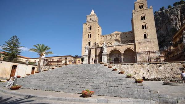 Cefalù che riapre ai turisti, visite guidate (su prenotazione) alle torri del Duomo