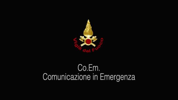 VIDEO | Zisa, donna cade in casa: vigili del fuoco si calano dal sesto piano e la soccorrono