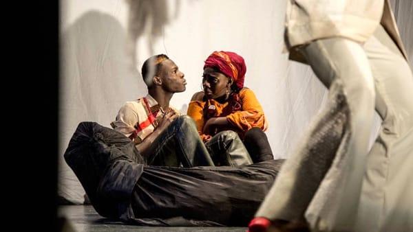 """""""Nchià"""", i migranti come protagonisti: lo spettacolo sul palco del Teatro Biondo"""
