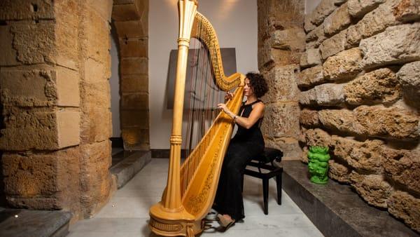 L'Oratorio di San Lorenzo, l'arpa Giorgia Panasci: il concerto per Metro Harp & Theatre