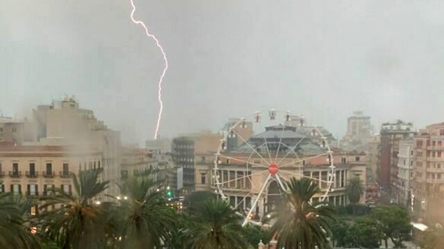 """Bad weather in Sicily, the regional civil protection: """"Risk communicated in time"""" thumbnail"""